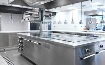 La limpieza de grasas, ¿por qué es tan importante en las cocinas profesionales?